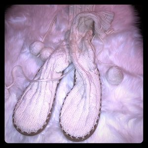 VS pink knit tie up slippers size small (5/6)
